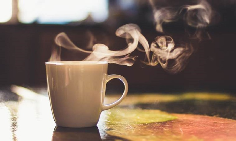 Drinking hot tea may raise the risk of cancer, reveals study