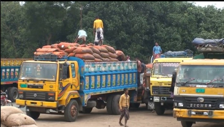 55 trucks of Indian onion enter Bangladesh