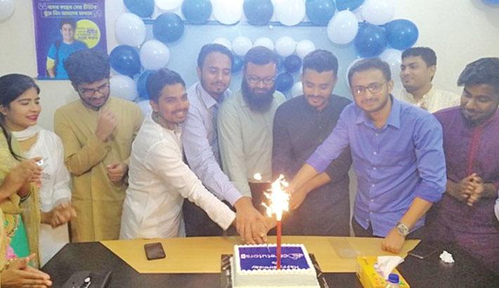 CareTutors celebrates seventh anniv