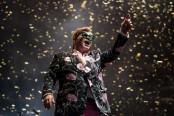 Elton John tried to take his own life