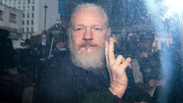 Assange ordered to court for extradition hearing