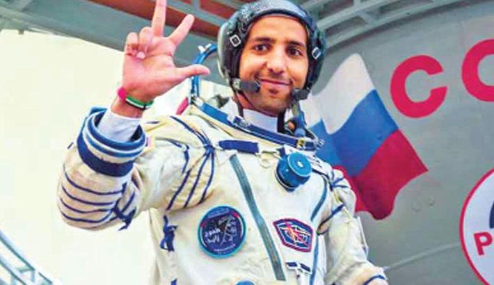 Emirati astronaut returns home to hero's welcome