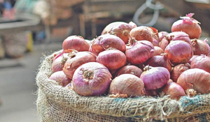 Onion prices to become normal at end of October, says Commerce Minister Tipu Munshi
