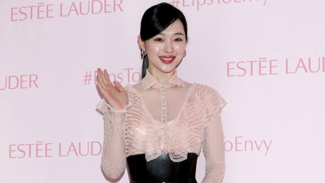 K-pop star Sulli found dead aged 25