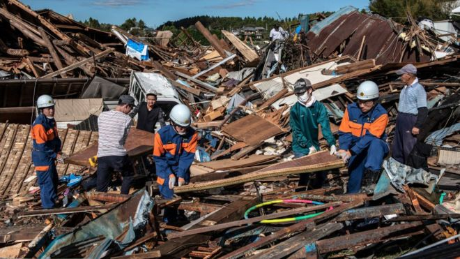 Typhoon Hagibis: Japan deploys 110,000 rescuers after worst storm in decades