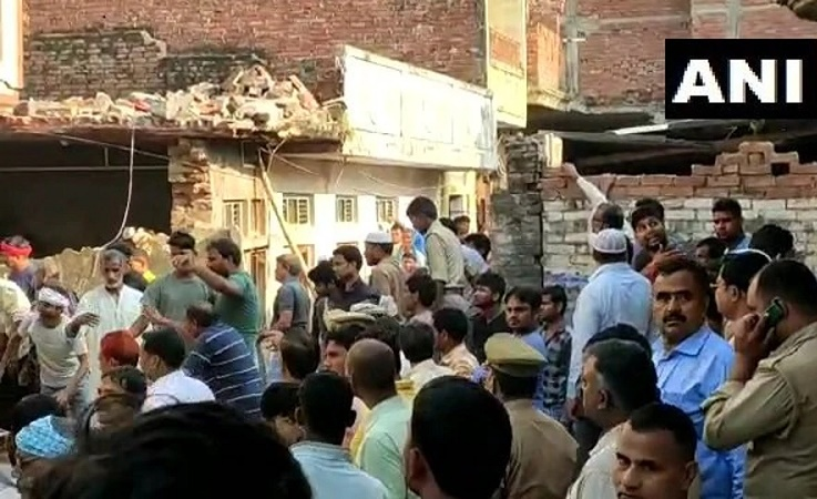 10 dead, many injured after building collapses following cylinder blast in India