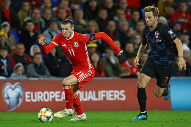 Bale on target as Wales' Euro hopes on knife-edge