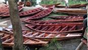 Boat craftsmen in Narail struggle for survival