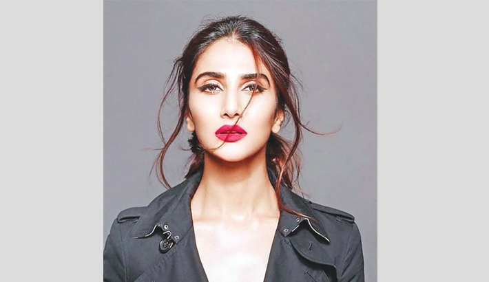 Ranbir doesn't have baggage of stardom, says Vaani