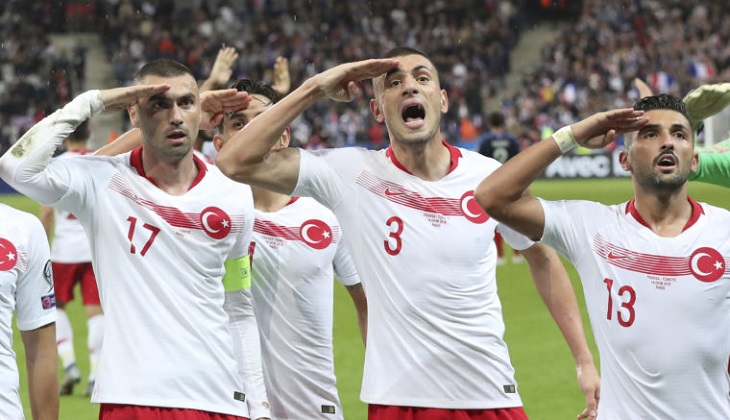 Turkish players defy UEFA with another military salute