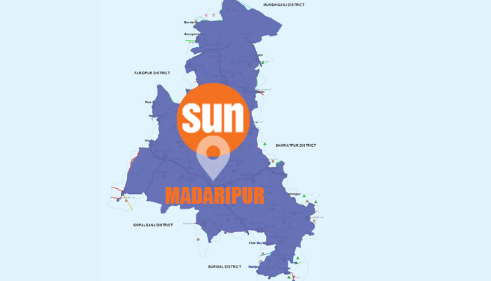 One killed as passenger bus plunges into Madaripur ditch