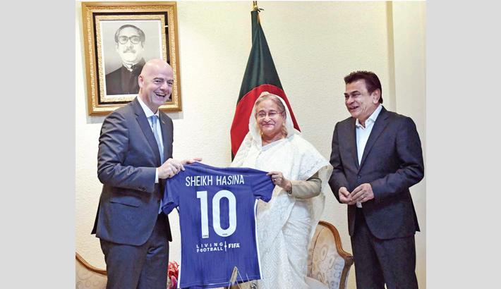 FIFA to work with Bangladesh, Infantino tells PM
