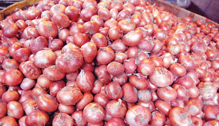 'Hoarding' pushes up onion price