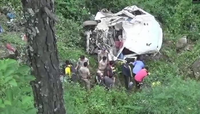 8 killed after landslide hits 3 vehicles in Indis's Uttarakhand