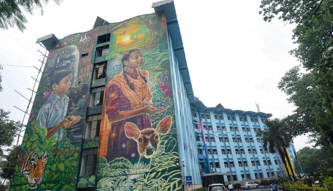 Power of art: Patna's Vidyut Bhawan facade turned into vibrant canvas