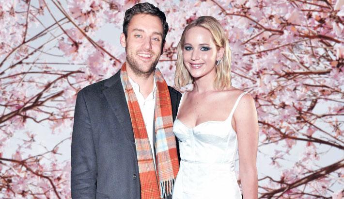 Jennifer, Maroney tie the knot in star-studded wedding ceremony