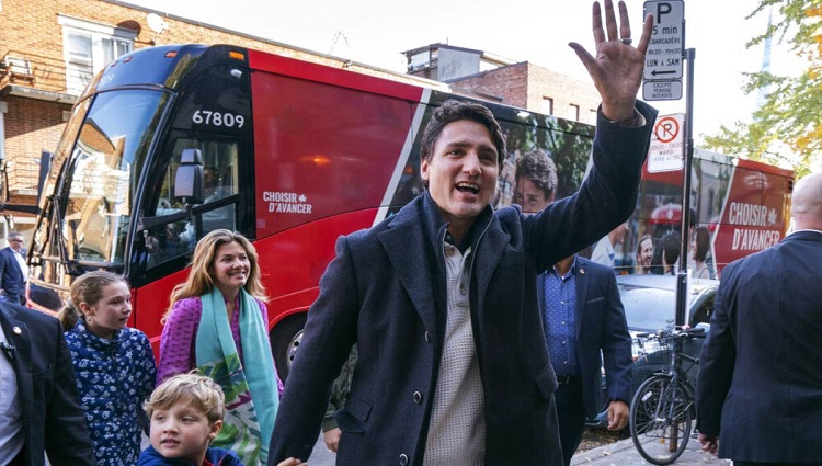 Canadian election: Trudeau's Liberals 'retain power'