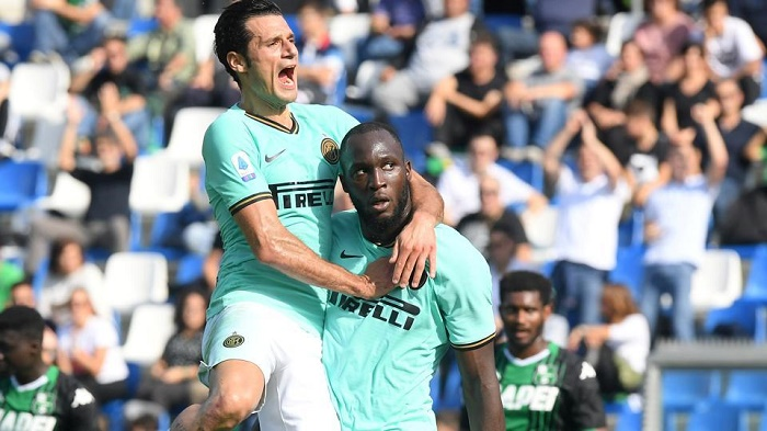 'Gentle giant' Lukaku thriving at Inter Milan after Man United flop