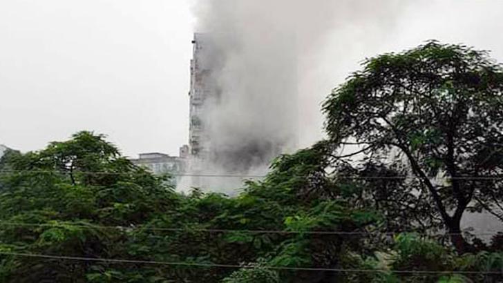 Woman killed in Dhanmondi building fire