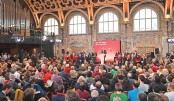 UK election campaign hots up