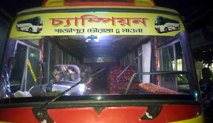 Rape attempt again in public bus, two helpers arrested from Gazipur