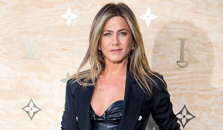 Jennifer Aniston shares her 'Jen in Black' avatar!