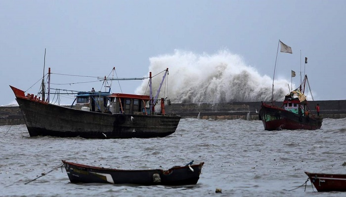 Cyclone Maha weakens, will skirt Gujarat coast: IMD