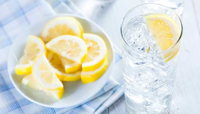 How your body can benefit from lemon water