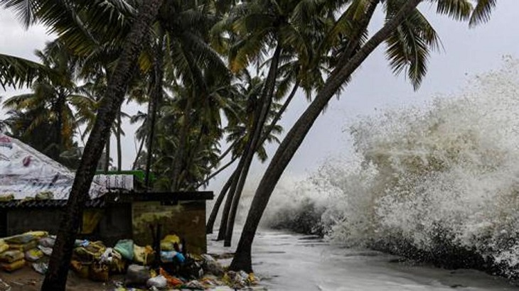 Cyclone Bulbul: 5-7 feet high storm surge, wind speed of 150-160 kmph likely at coasts