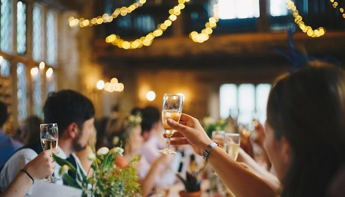 5 key tips to stay healthy this wedding season