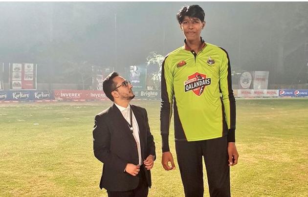 Muhammad Mudassar set to be the tallest cricketer