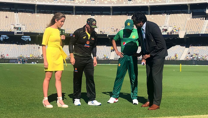 Australia win toss and bowl in final Pakistan T20