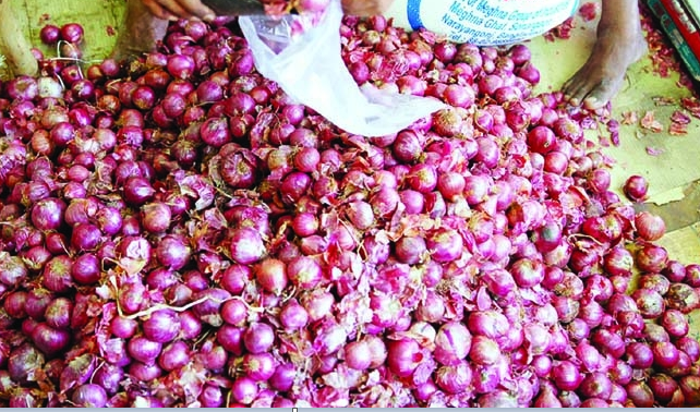 Arrival of 50,000 tonnes onion from Egypt to decrease price