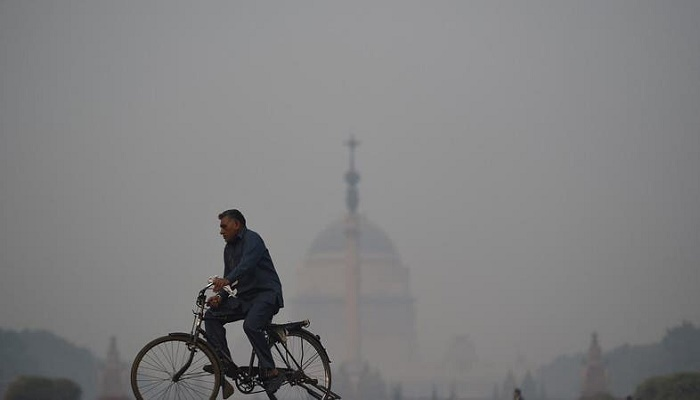 Air quality sinks to 'severe' in haze-shrouded in Indian capital