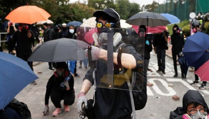 Hong Kong protests: Schools and universities shut amid safety fears