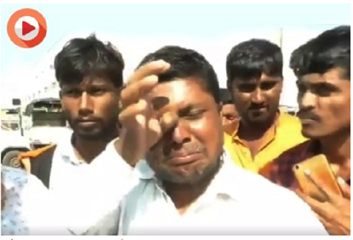 Indian farmer breaks down after selling onion Rs 8 per kg (Watch)