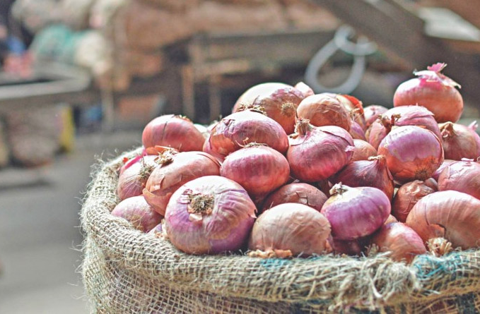 Onion crisis to end soon: Humayun