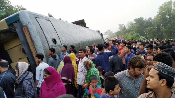 Railways Minister declares financial assistance to families of deceased in Kasba train accident