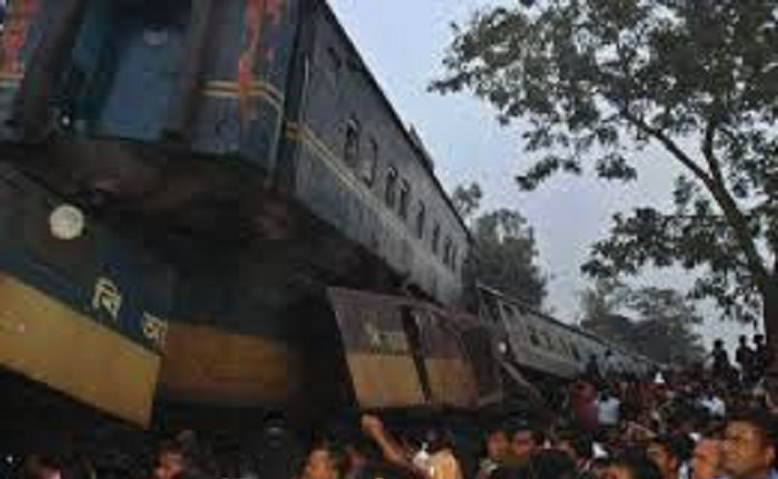 16 killed, over 100 injured as two trains collide in Brahmanbaria