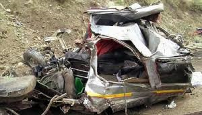 16 killed in Jammu and Kashmir car accident