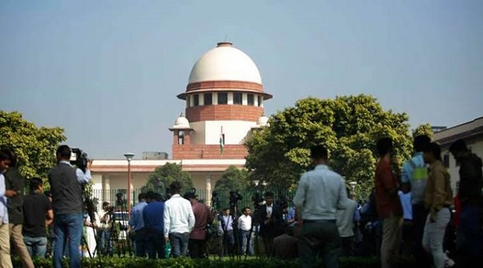 Indian Supreme Court disqualifies 17 rebel MLAs