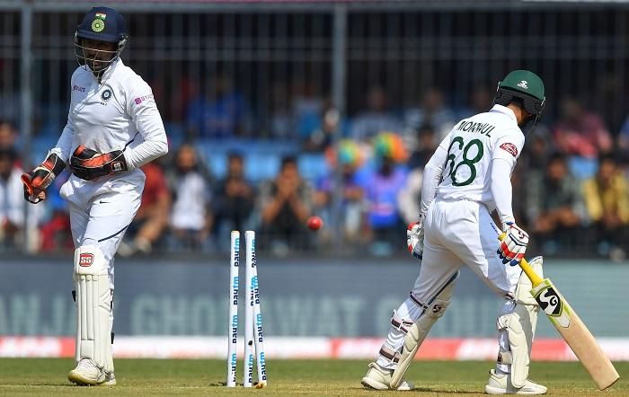 Mominul, Mushfiq go too, Tigers 140/6