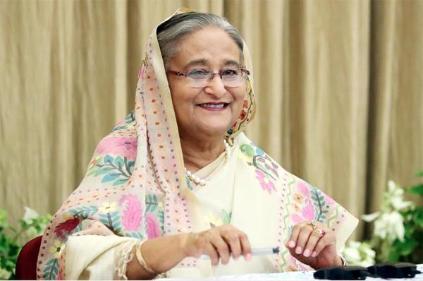 PM submits income tax return in Tax Fair