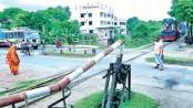 700 level-crossings in railway west zone lack gatemen