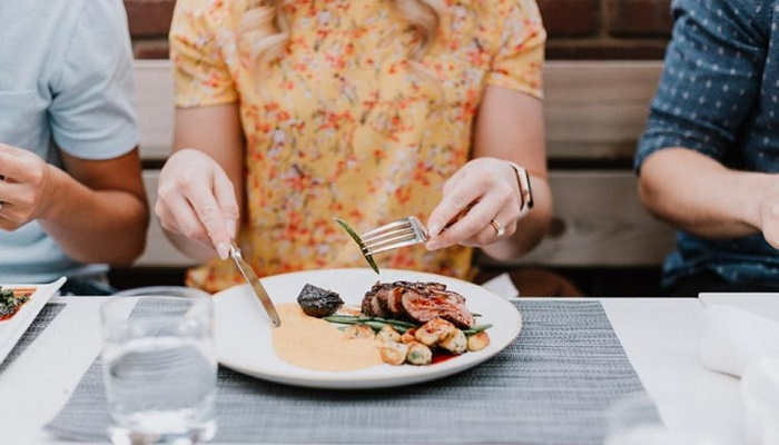 Dining after this time ups heart disease risk for women