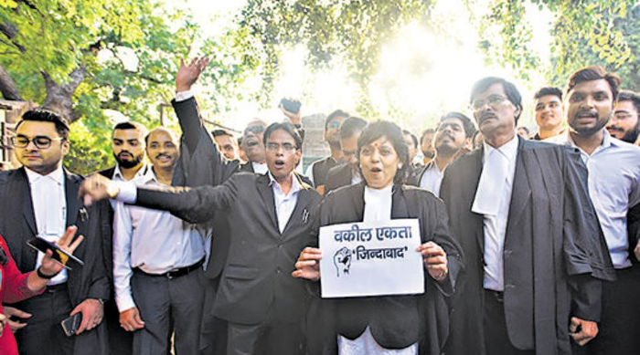 Delhi lawyers call off 13-day strike following clash with police at Tiz Hazari