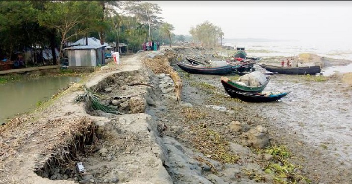 12-yr into Sidr: Bagerhat residents yet to get durable embankment