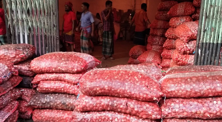 First air cargo with Egyptian onion to reach Dhaka on Tuesday