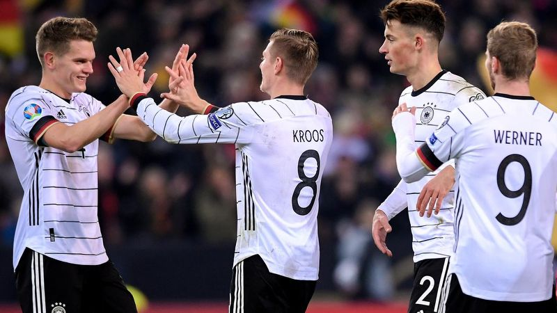 Poland beat Israel 2-1 in Euro 2020 qualifier