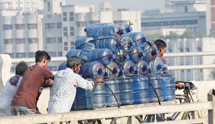 Unscrupulous traders sell unsafe drinking water